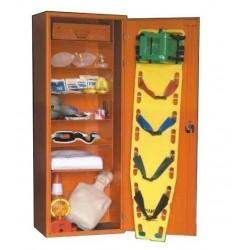 Punkt pierwszej pomocy dla szkół + fantom w szafie